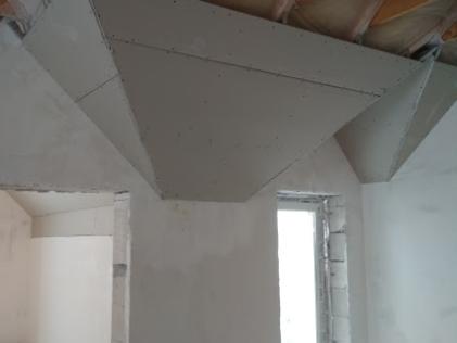 Установка потолка в коттедже Твердино